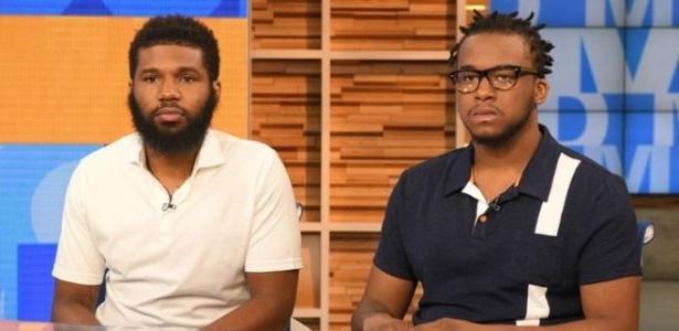 Rashon Nelson (à esq) e Donte Robinson foram expulsos de uma loja do Starbucks nos EUA