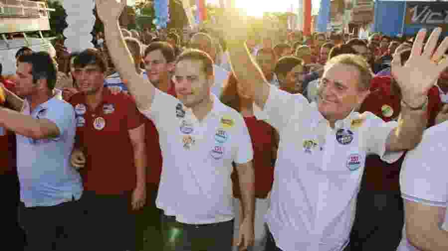 25.ago.2018 - O governador de Alagoas, Renan Filho, faz campanha ao lado do pai, o senador Renan Calheiros, ambos do MDB - Divulgação/Facebook Renan Filho