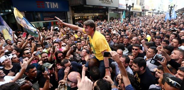O candidato à Presidência pelo PSL, Jair Bolsonaro, durante ato de campanha em Juiz de Fora (MG)