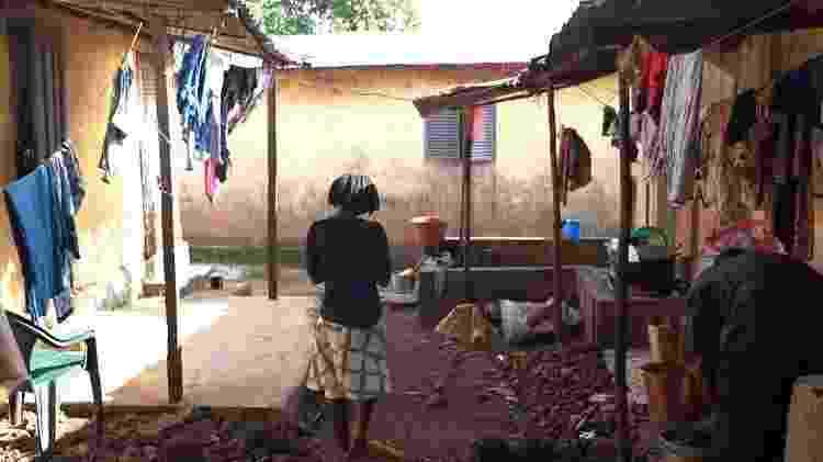 A equipe da BBC foi à Guiné para tentar entrar em contato com a família de Fatou - BBC