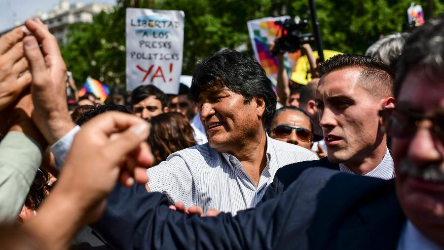 26.dez.2019 - Ex-presidente da Bolívia, Evo Morales, participa de manifestação na Praça de Maio, em Buenos Aires - Ronaldo Schemidt/AFP