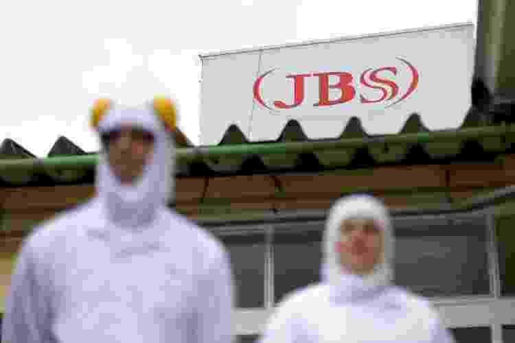 Funcionários da JBS em unidade da empresa em Lapa (PR) - Ueslei Marcelino - Ueslei Marcelino