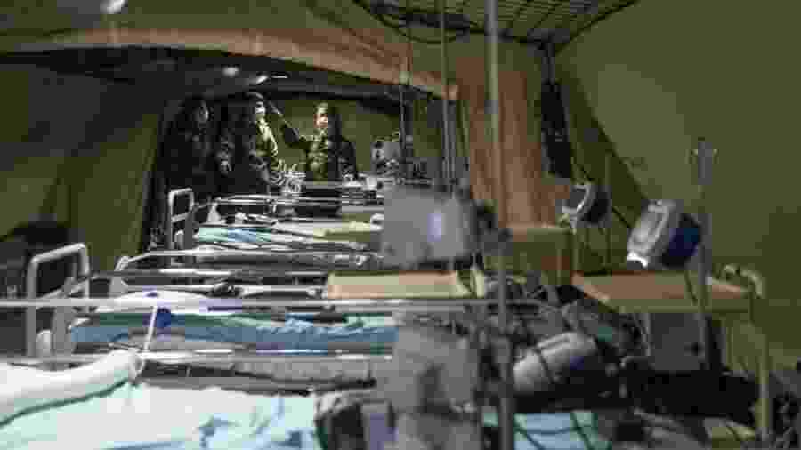Hospital de campanha montado perto de Mulhouse, no leste da França, em março - Sebastien Bozon/AFP