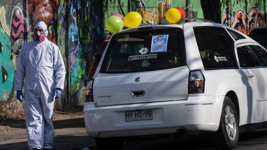 Contágios aumentam 36% no Chile em uma semana, com mais casos da cepa britânica - Martin Bernetti/AFP