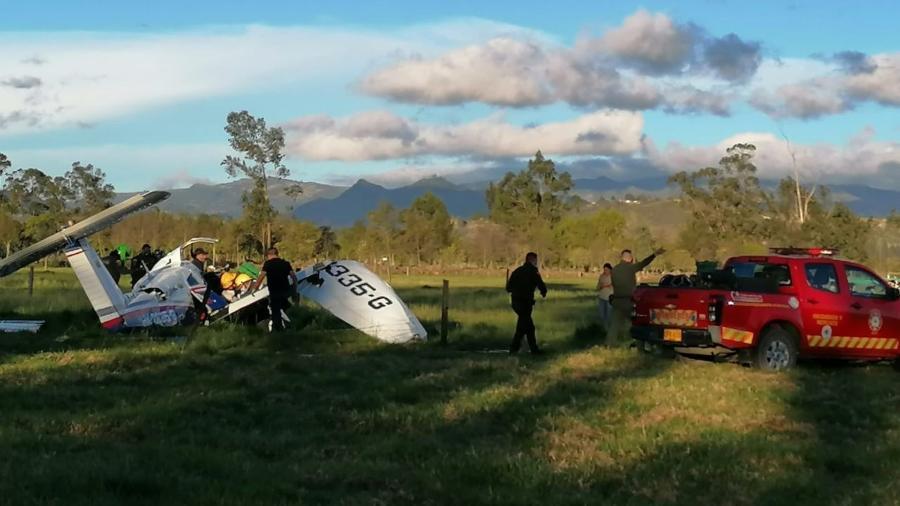 Avião HK 2335-G, que caiu na Colômbia, matando todos os passageiros, exceto um bebê - Reprodução/@Bomberoscundi/Twitter