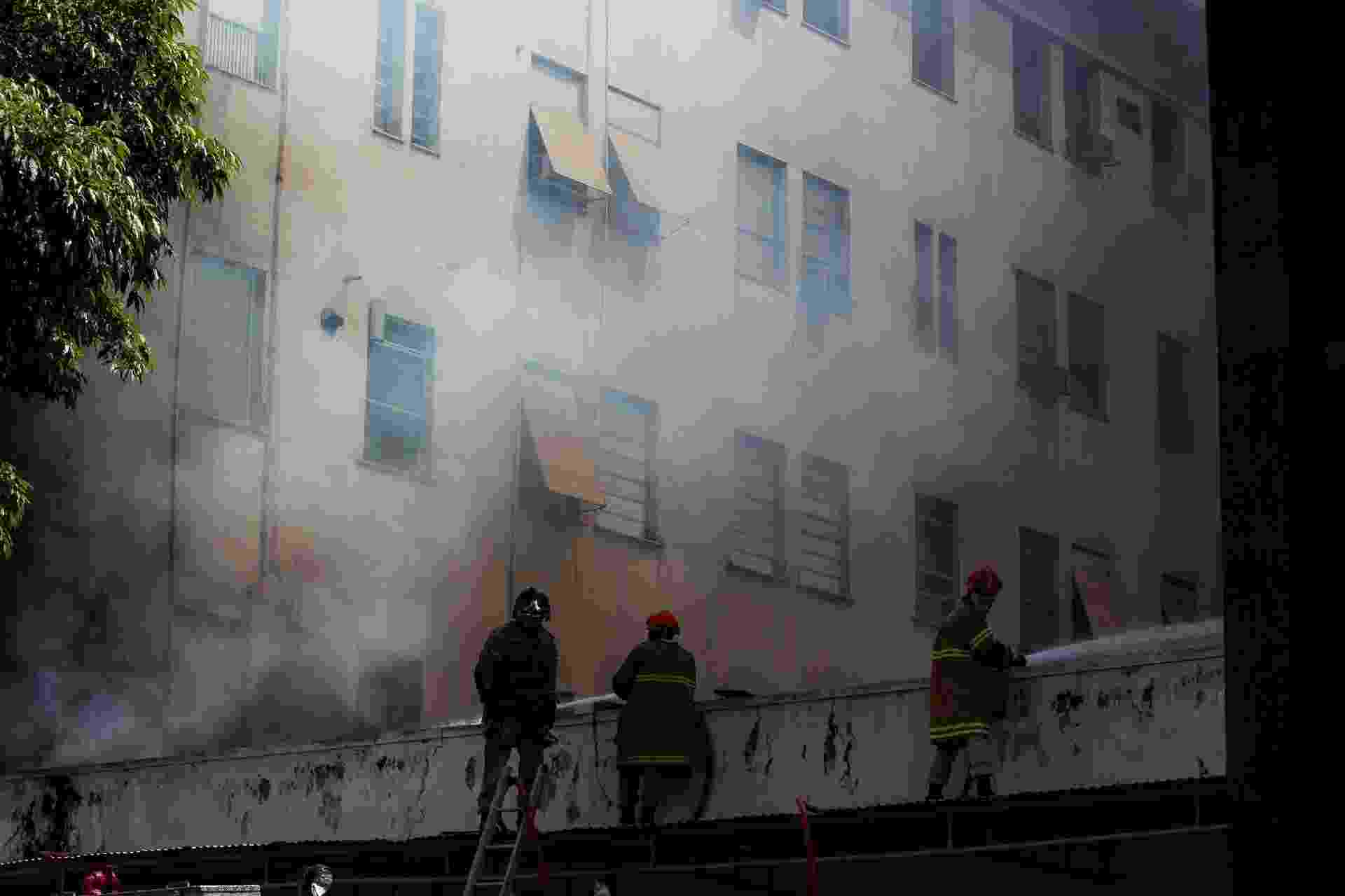 27 out. 2020 - Incêndio atinge Hospital Federal de Bonsucesso, na zona norte do Rio de Janeiro - Beatriz Orle/Futura Press/Estadão Conteúdo