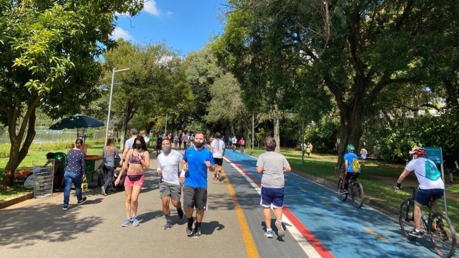 Ibirapuera é um dos parques municipais que devem ter o horário de funcionamento ampliado - Anahi Martinho/UOL