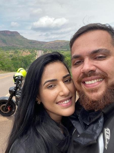 O dentista Carlos Eduardo quebrou três vasos na cabeça da namorada - Reprodução
