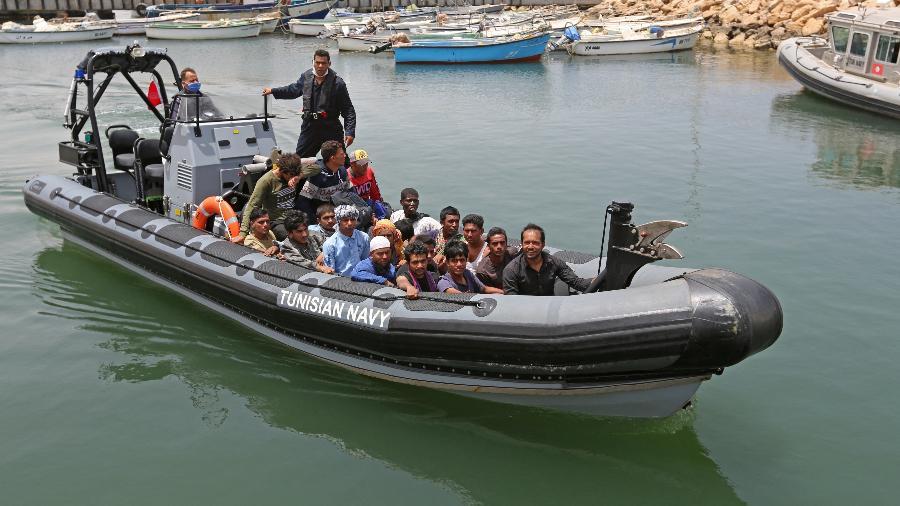 Em 2020, as saídas da Tunísia para a costa europeia alcançaram um pico que não era visto desde 2011 - Ben Guerdane/AFP