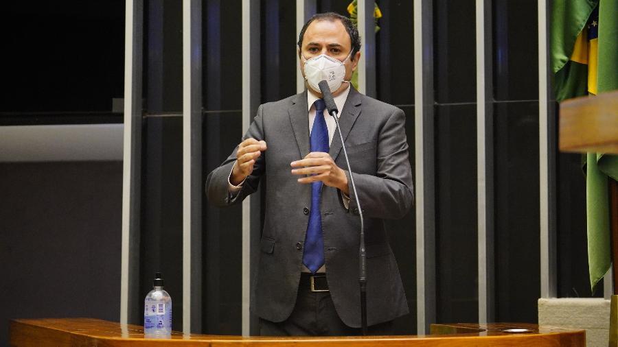 """Glauber Braga, que votou """"não"""", explicou que apoiar a cassação seria incoerente com o que defende - Pablo Valadares/Câmara dos Deputados"""