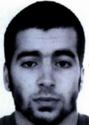 Chakib Akrouh, 25, belga-marroquino que se explodiu durante cerco da polícia após os atentados em Paris