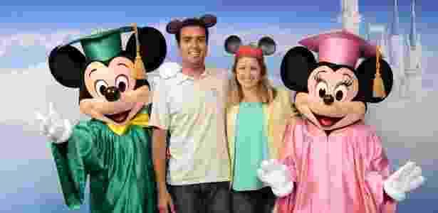 Felipe Magalhães e Rebeca Lopes foram à Disney oito vezes como turistas - Divulgação