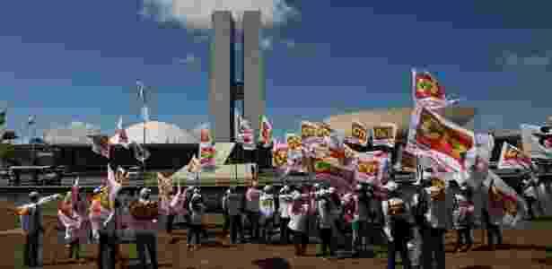 Protesto contra a reforma trabalhista em frente ao Congresso Nacional  - Fátima Meira/Futura Press/Estadão Conteúdo