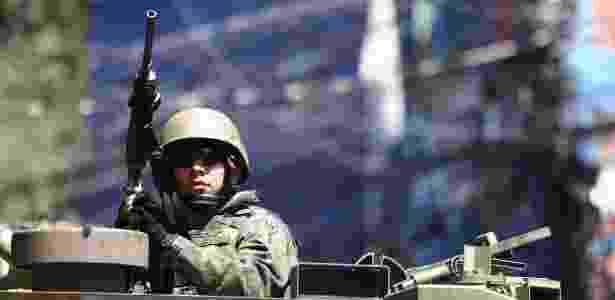 10.out.2017 - Operação de busca de armas e drogas na favela da Rocinha, na zona sul do Rio de Janeiro. - Fábio Motta/Estadão Conteúdo