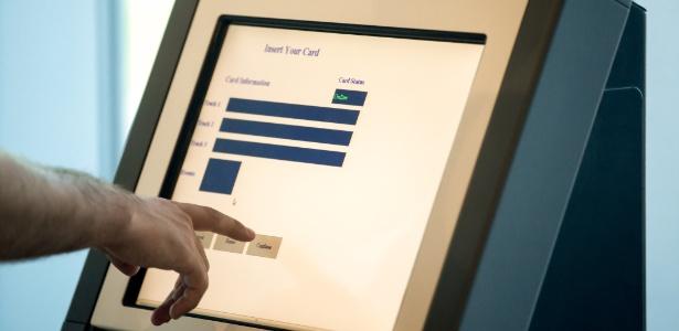 Máquina que te ajuda a comprar sem atendentes também pode roubar seus dados