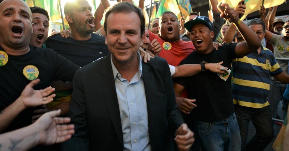 23.out.2018 - Candidato Eduardo Paes do partido DEM durante debate promovido pelo Sistema Brasileiro de Televisao(SBT RIO) ao Governo do Rio de Janeiro,em Sao Cristovao Zona Norte do Rio de Janeiro na noite deste terca-feira