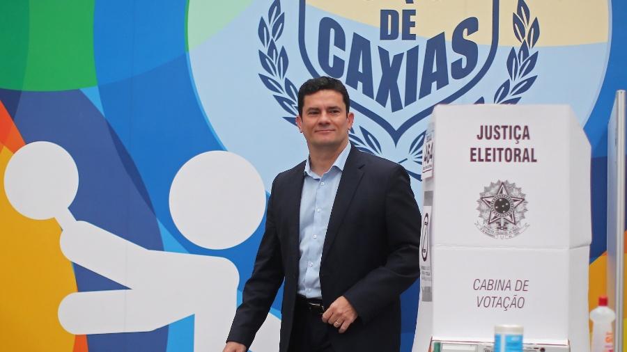 28.out.2018 - O juiz federal Sérgio Moro vota no Clube Duque de Caxias, em Curitiba - Heuler Andrey/DiaEsportivo