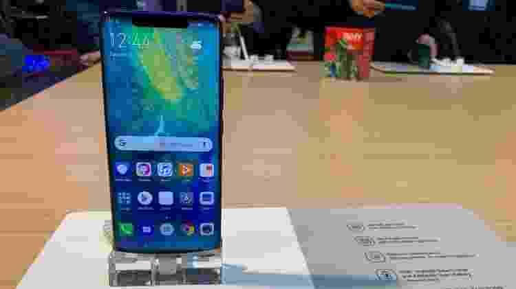Huawei Mate 20 Pro tem sensor de digital na tela - Bruna Souza Cruz/UOL