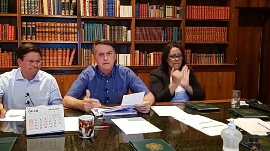 Bolsonaro ao lado de João Roma, o novo candidato a Leporello do Don Giovanni da morte. Um espetáculo grotesco - Reprodução/Youtube