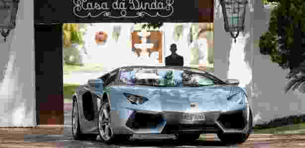 Lamborghini prata apreendida na casa de Fernando Collor de Mello - Pedro Ladeira/Folhapress