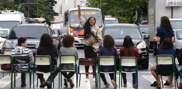 30.11.2015 - Protesto de estudantes contra reorganização escolar em SP
