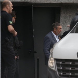 O ex-ministro Antonio Palocci (PT) deixa a sede da Policia Federal em São Paulo - Danilo Verpa/Folhapress