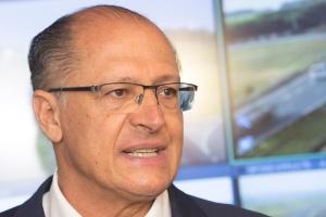 O governador Geraldo Alckmin, concede coletiva de imprensa