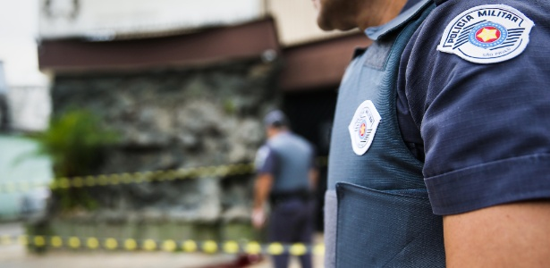 PMs preservam local onde ocorreu homicídio na Vila Formosa, zona leste de SP