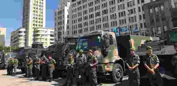 28.mar.2018 - O Exército também entregou reformados três caveirões da Core - Taís Vilela/UOL - Taís Vilela/UOL