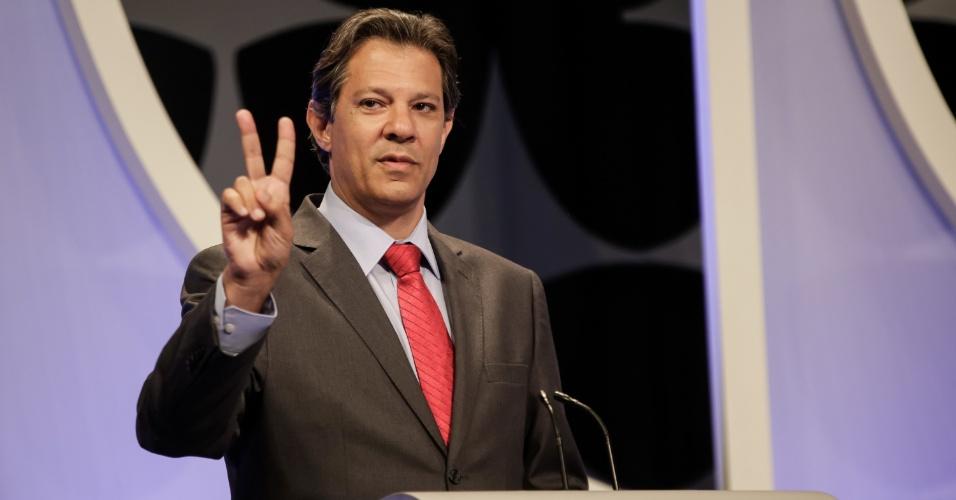 O candidato Fernando Haddad (PT) destacou programas sociais do partido e defendeu taxação de dividendos e reforma bancária