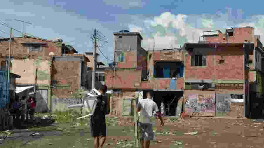 Queda da renda durante a recessão e a desigualdade social impedem avanço maior do desenvolvimento humano do Brasil - Tânia Rêgo/Agência Brasil