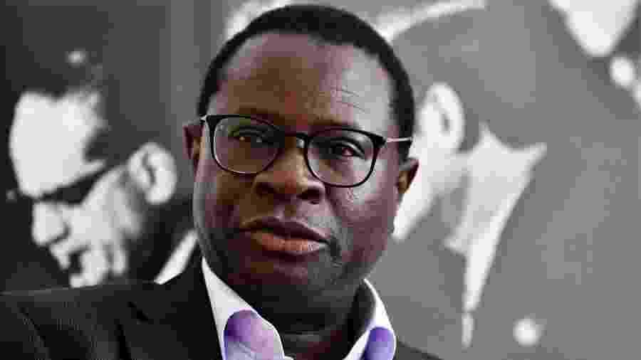 Karamba Diaby, deputado alemão de origem senegalesa, recebeu por email uma ameaça com frase nazista (foto de arquivo) - John MacDougall/AFP