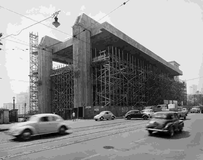 Scheier registrou a construção do Masp em 1966 - Peter Scheier/Acervo Instituto Moreira Salles via BBC