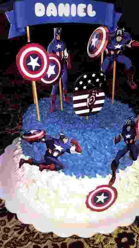 Primeiro bolo de Alexandre Ferreira foi com o tema Capitão América - Acervo pessoal - Acervo pessoal