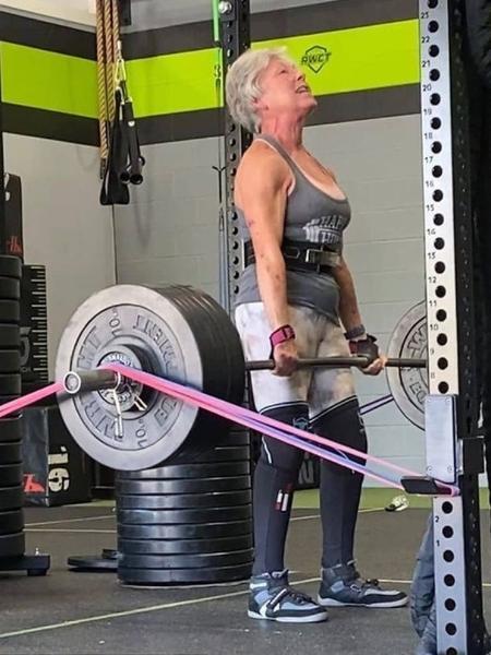 Mary Duffy treina todos os dias e participa de diversas competições de peso - Reprodução/Instagram