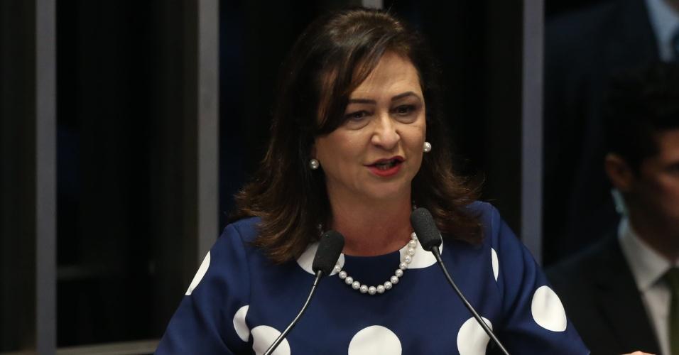 29.ago.2016 - A senadora Kátia Abreu (PMDB-TO) discursa no Senado Federal, em Brasília, dia da defesa da presidente afastada, Dilma Rousseff, no processo de impeachment