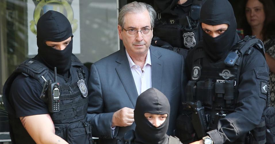 O ex-deputado Eduardo Cunha é levado ao IML de Curitiba para realizar exame de corpo de delito. Cunha foi preso por ordem do juiz Sérgio Moro, no âmbito da Operação Lava Jato