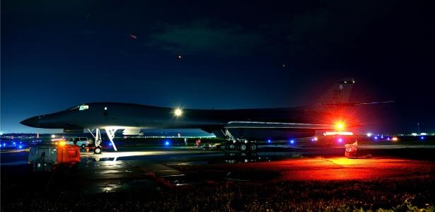 Bombardeiro estratégico B-1B, antes de decolar na Base Militar Dyess, no Texas