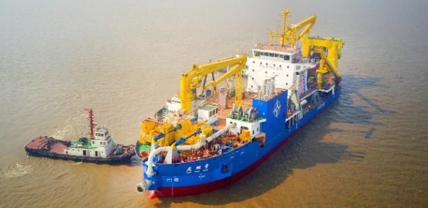 """O navio chinês """"Tian Kun Hao"""" foi apelidado de """"criador mágico de ilhas"""""""
