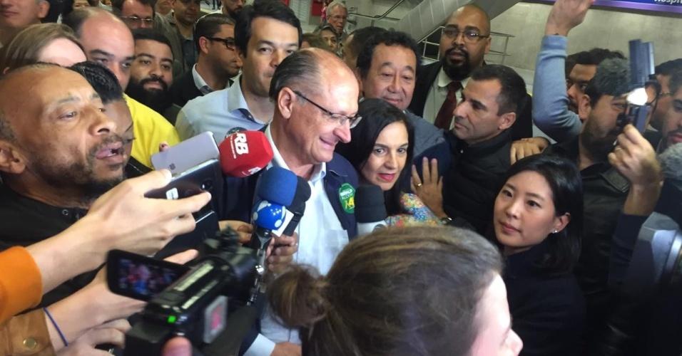 Na véspera da eleição, Geraldo Alckmin visita a estação Hospital São Paulo, da Linha 5-Lilás, inaugurada no dia 28 de setembro