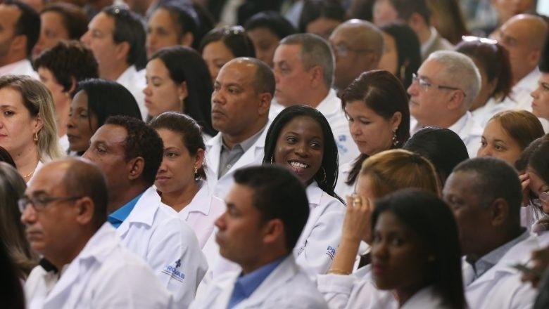 """Médicos cubanos atendem melhor do que brasileiros"""", dizem ..."""