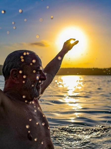 O ex-presidente Lula postou nas redes sociais foto de banho de mar - Ricardo Stuckert