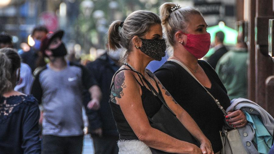 """""""Não há nenhuma evidência de que a imunidade de rebanho (quando o percentual de pessoas imunes ao vírus em uma dada população é tão alta que impede que a doença siga circulando) possa ter sido atingida em qualquer parte do Brasil"""" - Omar de Oliveira/Fotoarena/Estadão Conteúdo"""