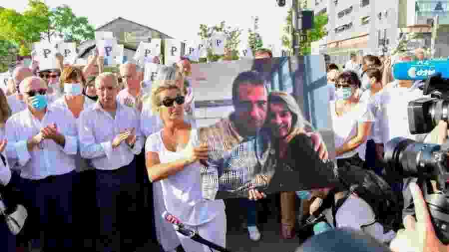 Na quarta-feira (8), milhares de pessoas participaram de uma passeata em Bayonne, na França, cobrando justiça - AFP