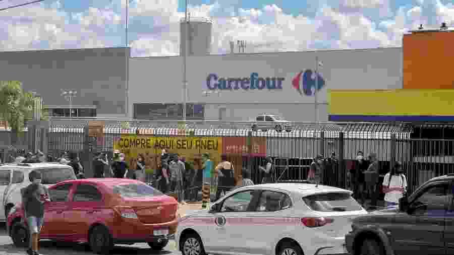 """João Alberto morreu em um Carrefour de Porto Alegre, no bairro Passo D""""Areia - Gustavo Aguirre/TheNews2/Estadão Conteúdo"""