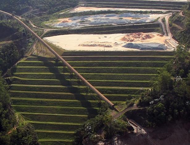 Imagem aérea mostra barragem de Germano, da mineradora Samarco, na cidade de Mariana (MG) - Márcio Fernandes/ Estadão Conteúdo