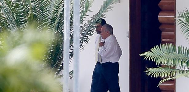 Valdir Raupp ao lado de Temer no Palácio do Jaburu, em Brasília
