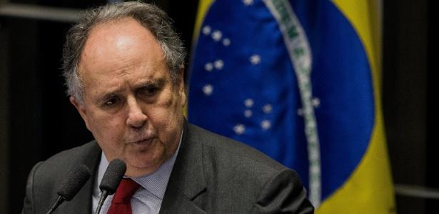 Impeachment é chance de PT se refazer, diz senador Cristovam - Eduardo Anizelli/Folhapress