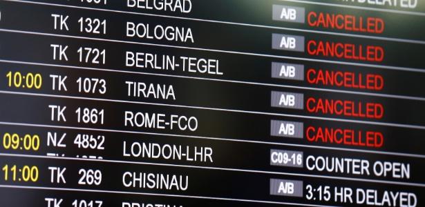 Atentado no aeroporto internacional de Istambul deixou pelo menos 36 mortos - Osman Orsal/Reuters