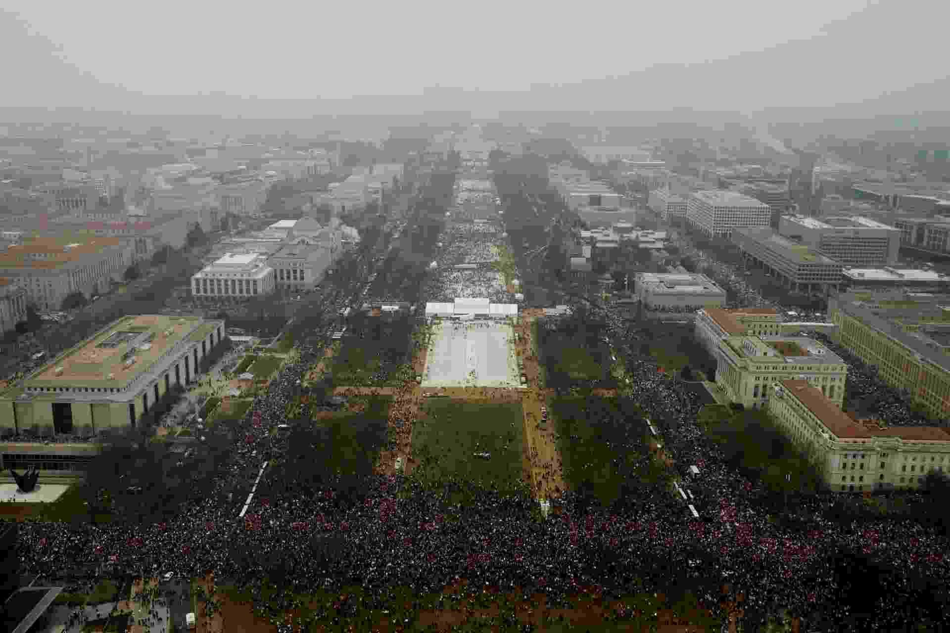 21.jan.2017 - Milhares se reúnem para a Marcha das Mulheres, em protesto contra Donald Trump, em Washington - REUTERS/Lucas Jackson